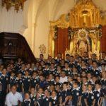 El Isla Cristina F.C. ofrenda flores y alimentos a la Santísima Virgen del Rosario, Prona de la ciudad