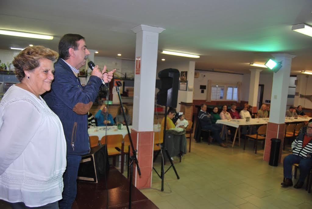Organizada una Merienda Navideña para los mayores de Isla Cristina