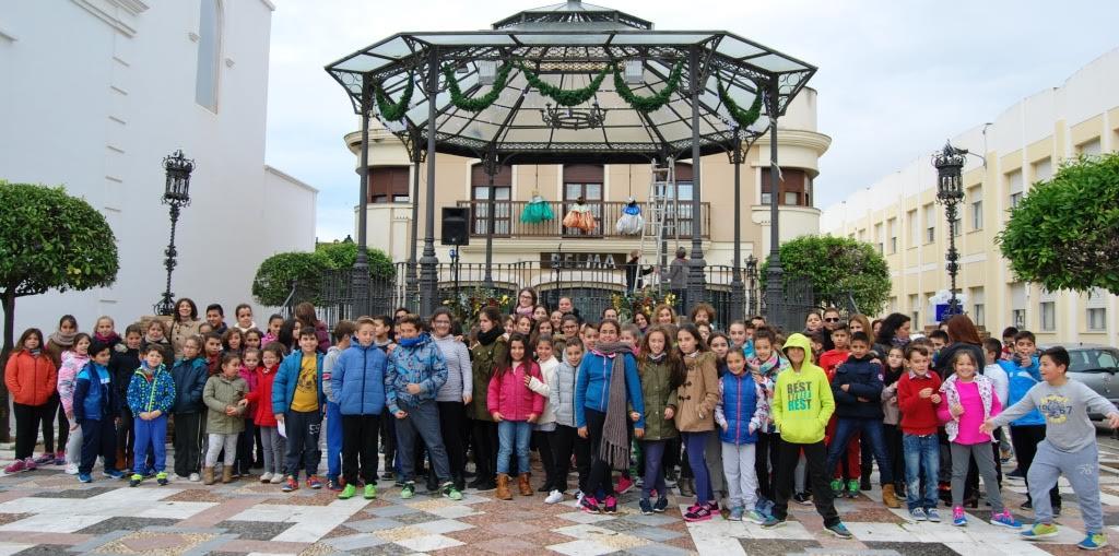 Decenas de escolares participan en la actividad Una Estrella, Un Deseo