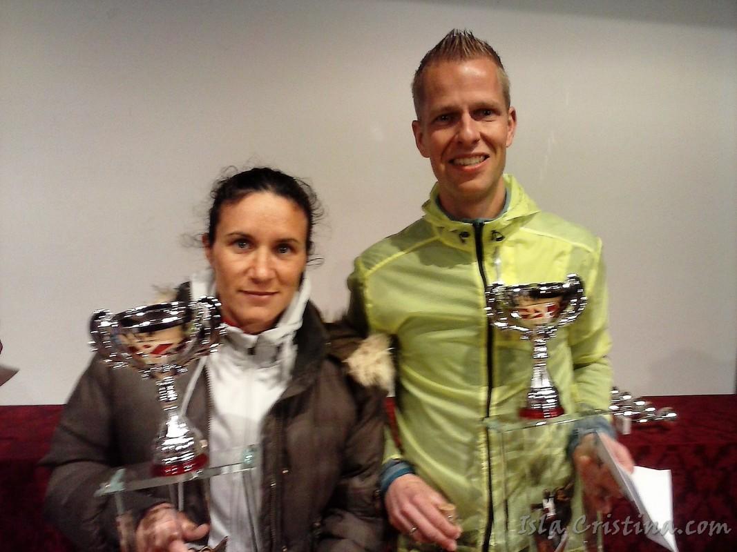 Hoornweg y Viegas ganan una carrera de élite con record en Trigueros