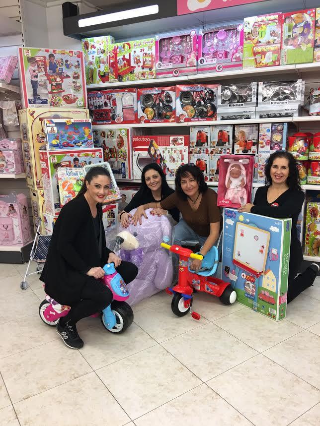 La cadena de Supermercados el Jamón se suma a la Campaña de Juguetes