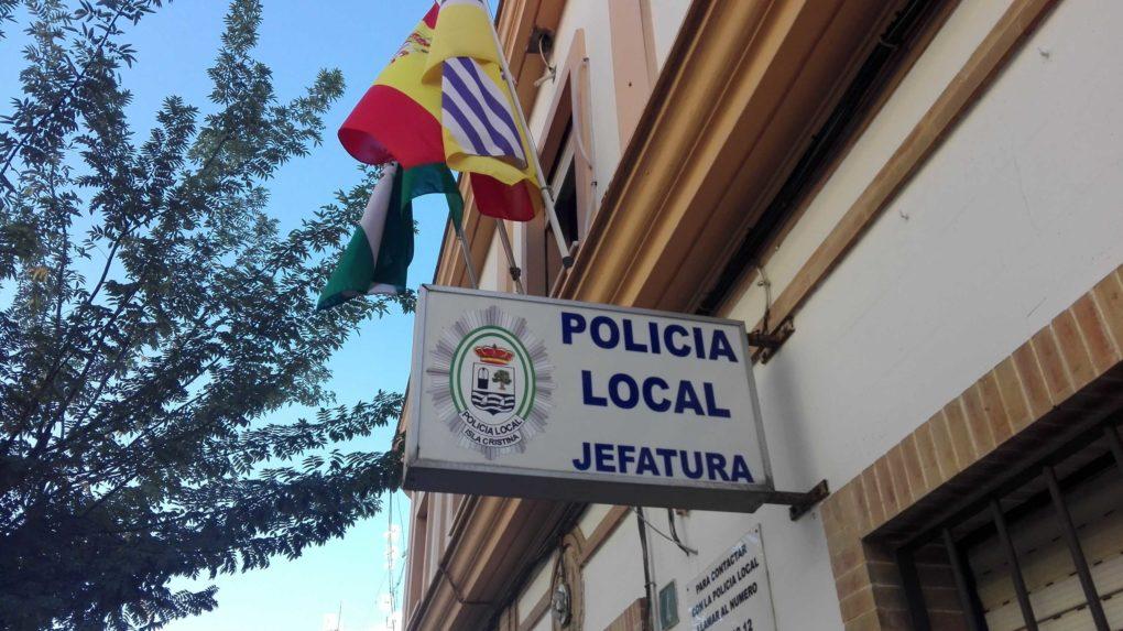 La Policía Local de Isla Cristina detiene a un hombre cuatro veces este mes por cometer varios robos