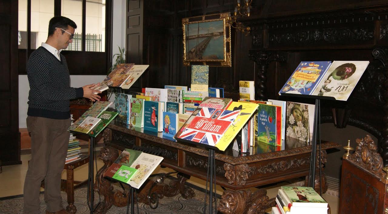 La Biblioteca de Isla Cristina recibe más de cien libros del Premio de Animación a la Lectura María Moliner