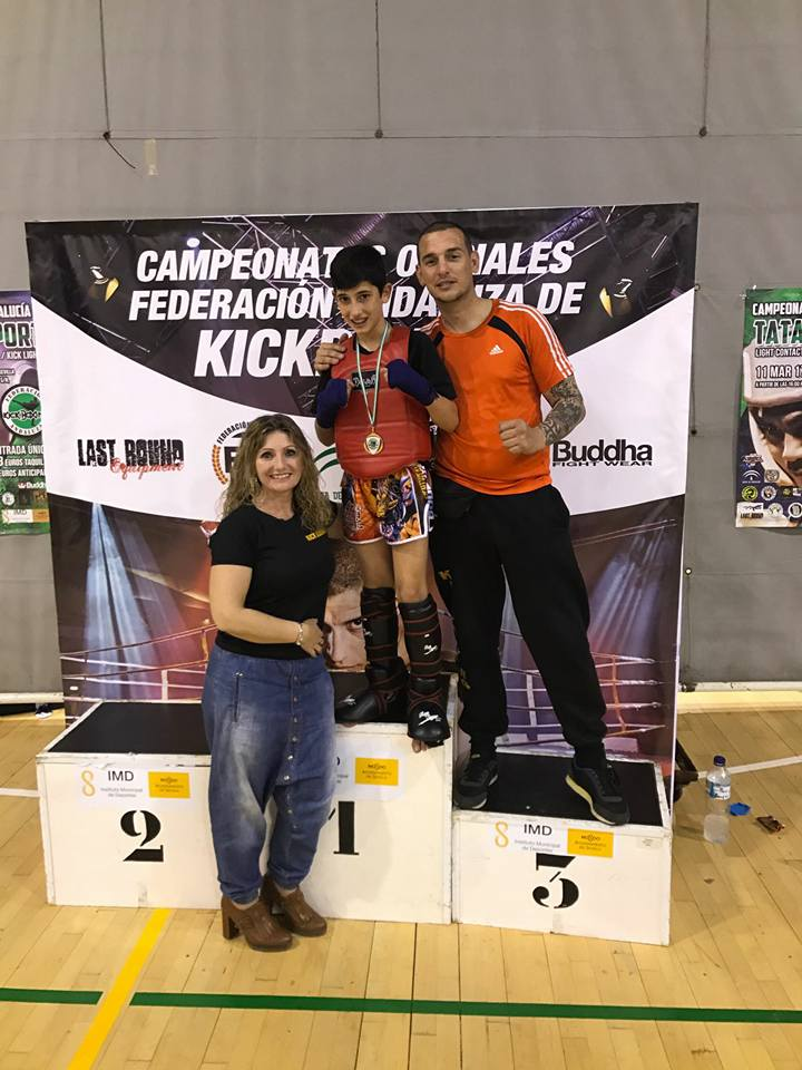 Triunfo de los luchadores del Club Vip Gym de Isla Cristina en el Campeonato de Kick light, Point fight y Light Contact celebrado en Sevilla