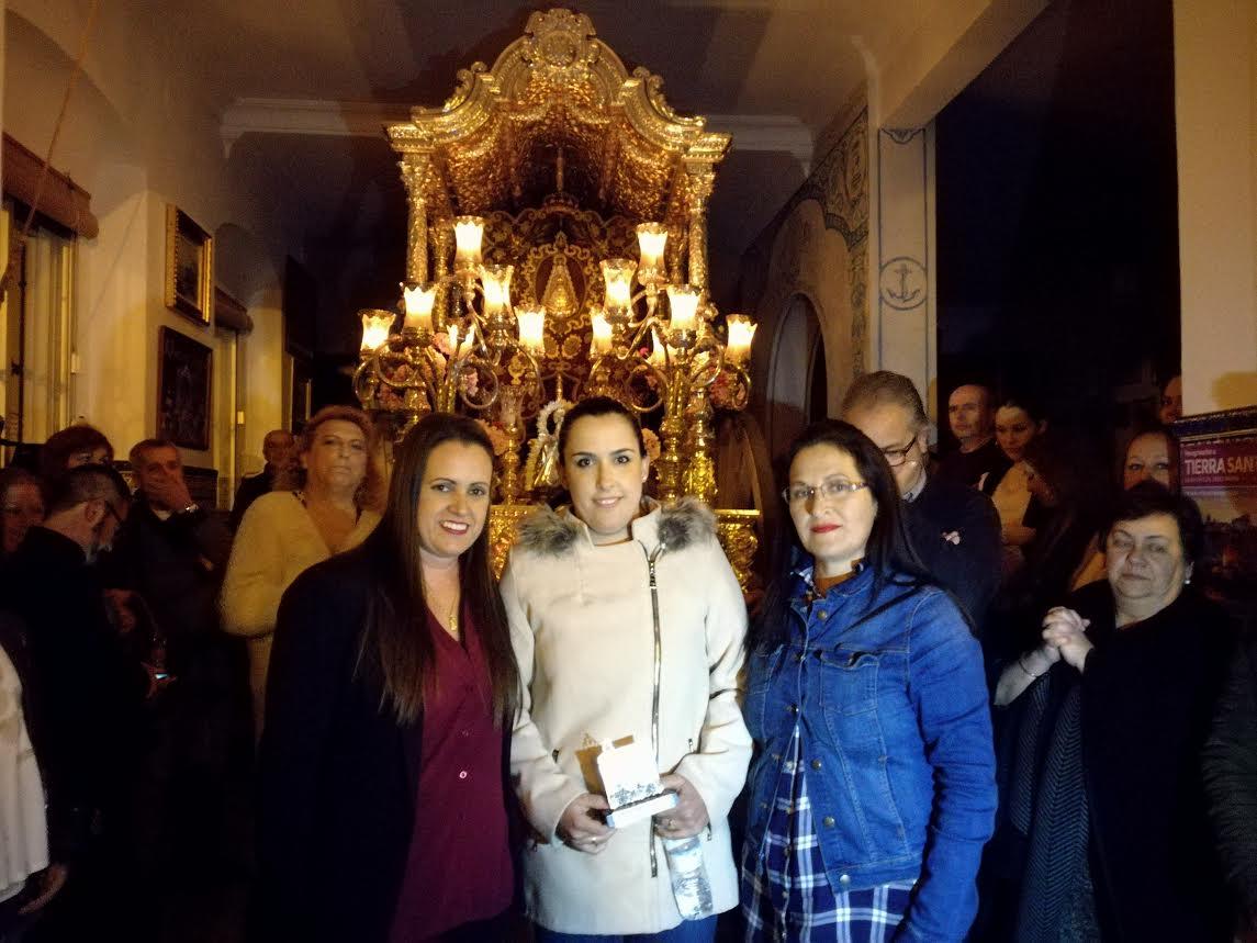 Rocío Pereles canta la Salve en la Hermandad del Rocío de Isla Cristina