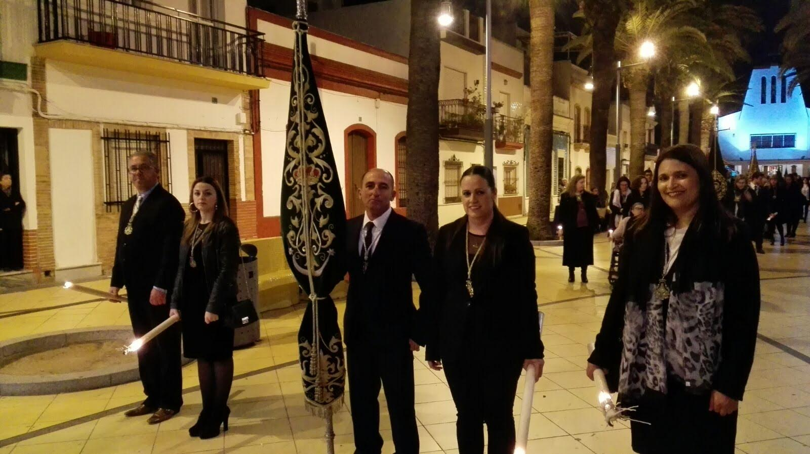 La Hermandad del Rocío de Isla Cristina presente en el Vía Crucis de las Hermandades