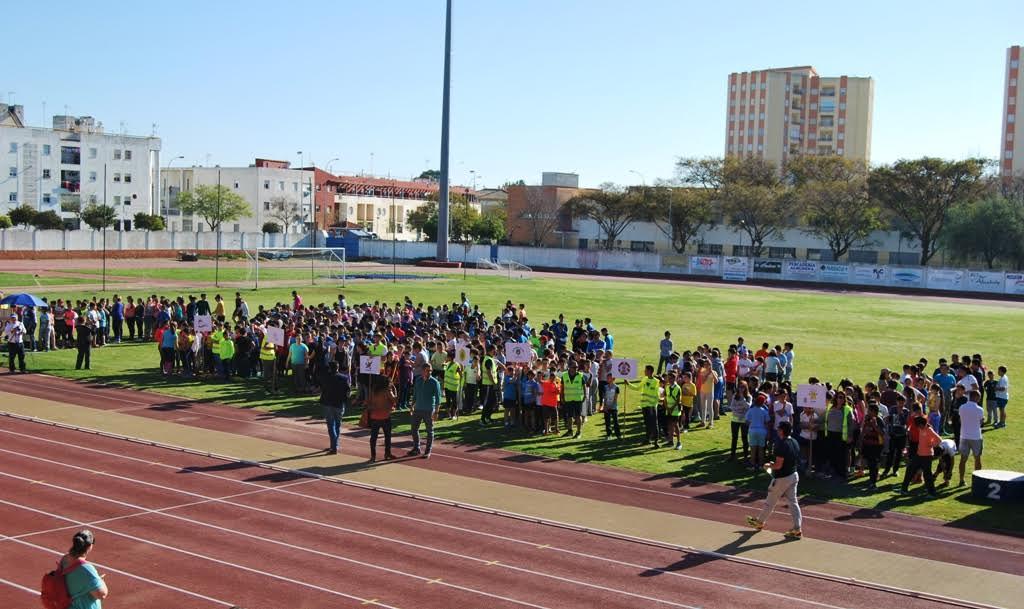 Medio millar de escolares compiten en las XII Olimpiadas de Isla Cristina