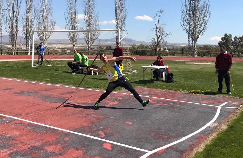 Antonio Palma oro en jabalina en el Campeonato de Andalucía de Atletismo 1° División