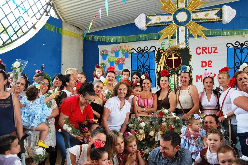 Las Escuelas Infantiles desfilaron con sus Cruces de Mayo