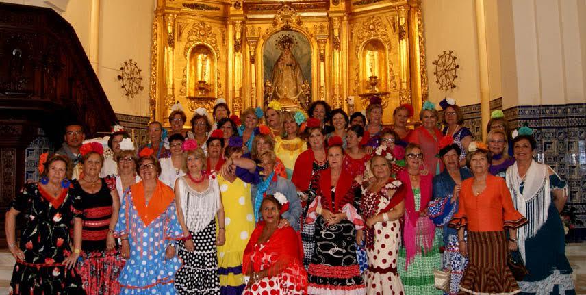 Las Matildas y Las Jardineras celebran una Misa en Honor a la Cruz de Mayo