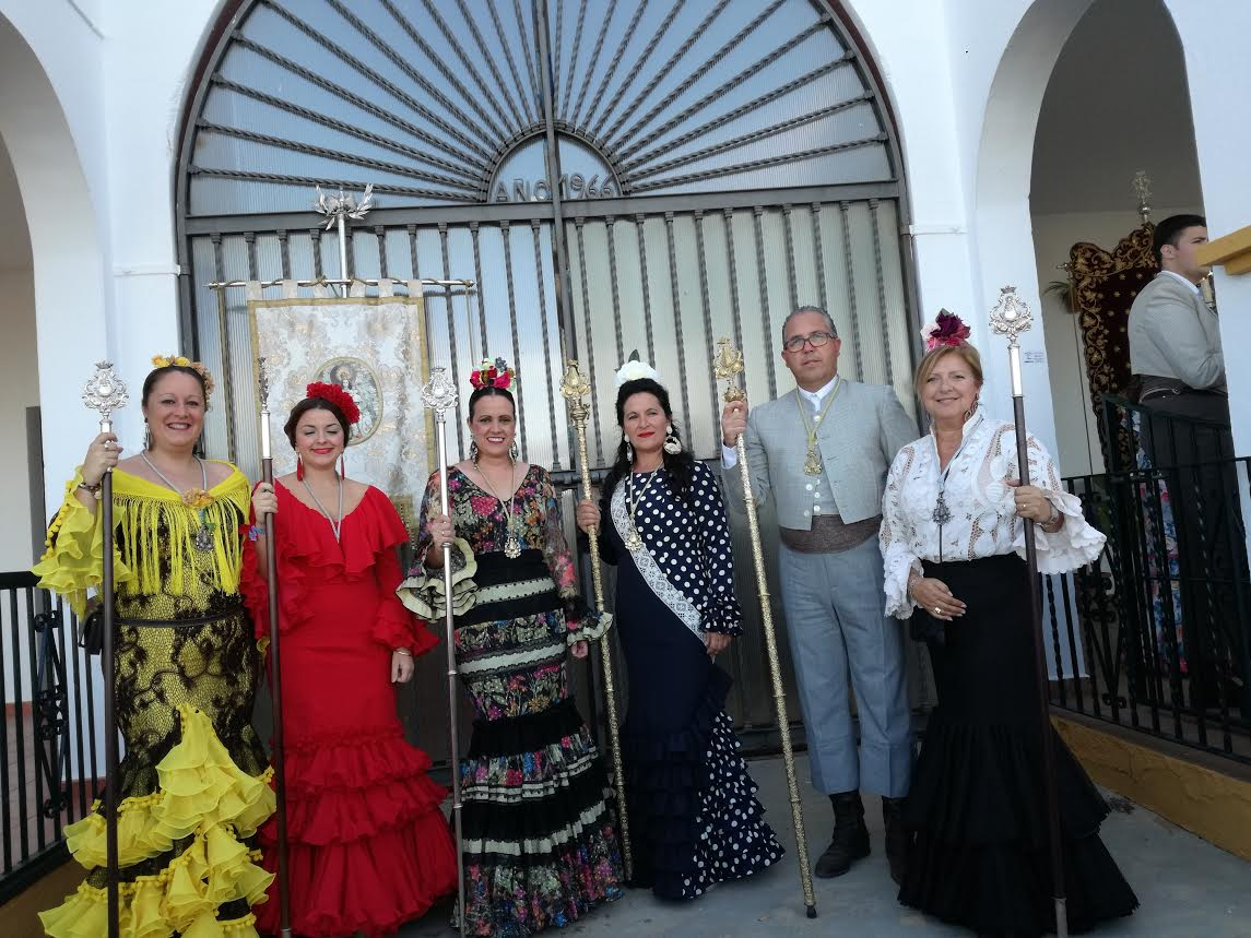 Ofrenda de flores de la Hermandad del Rocío de Isla Cristina a la Virgen de la Bella de Lepe