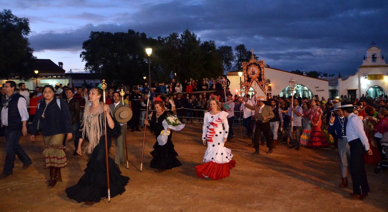 Isla Cristina de nuevo en la ofrenda de Flores a la Virgen de la Bella
