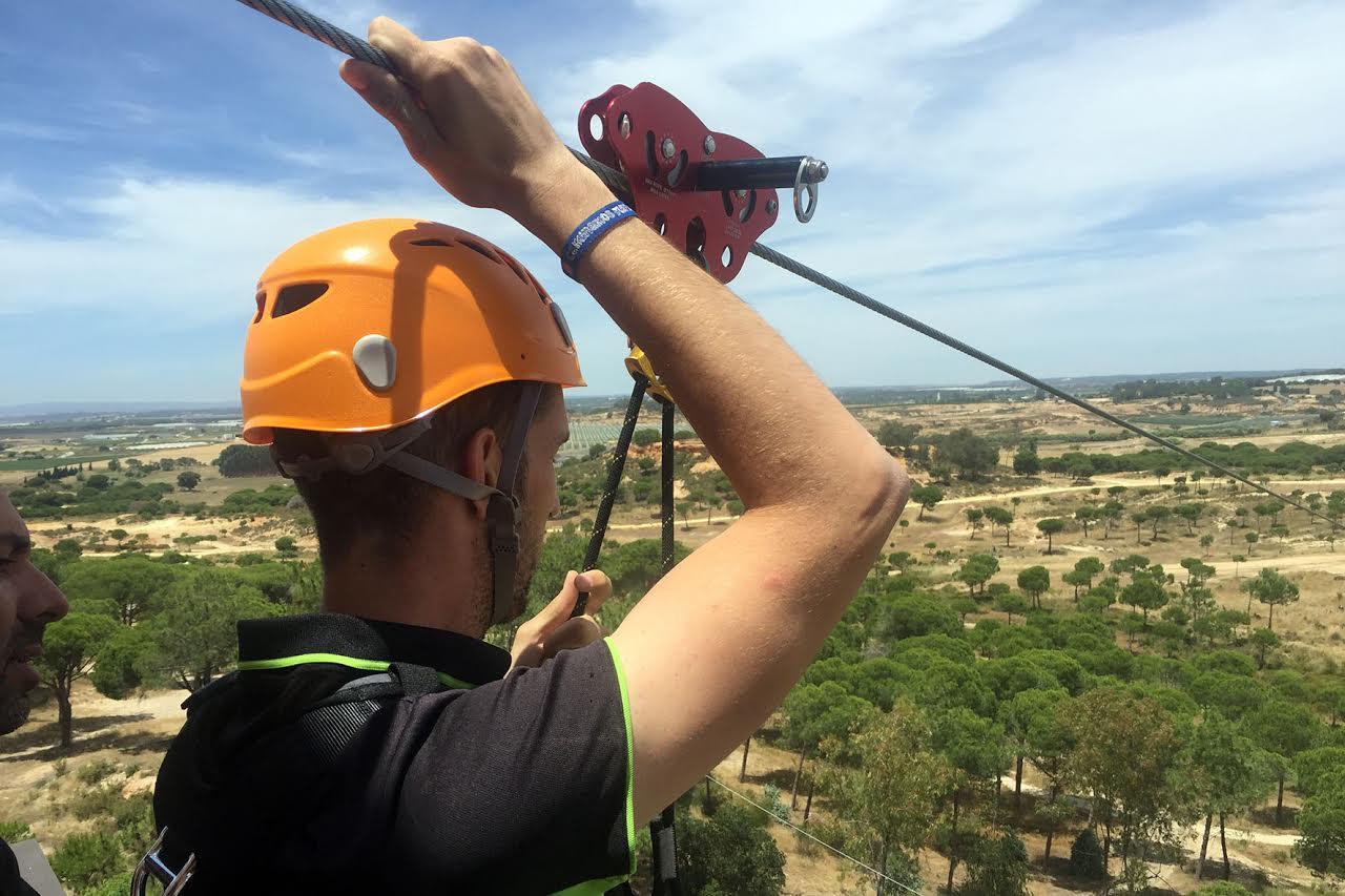 Mancomunidad contrata los servicios de Grupo Waingunga para la puesta en marcha de la Tirolina de Islantilla