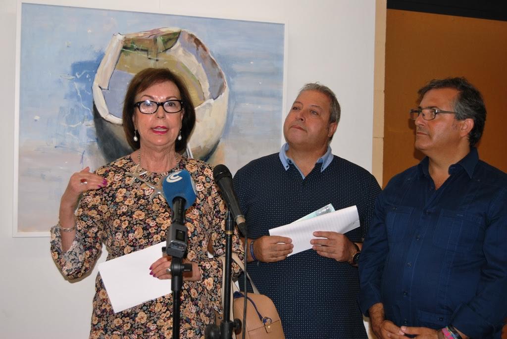 La pintora onubense Ana Rovira expone sus obras en Isla Cristina