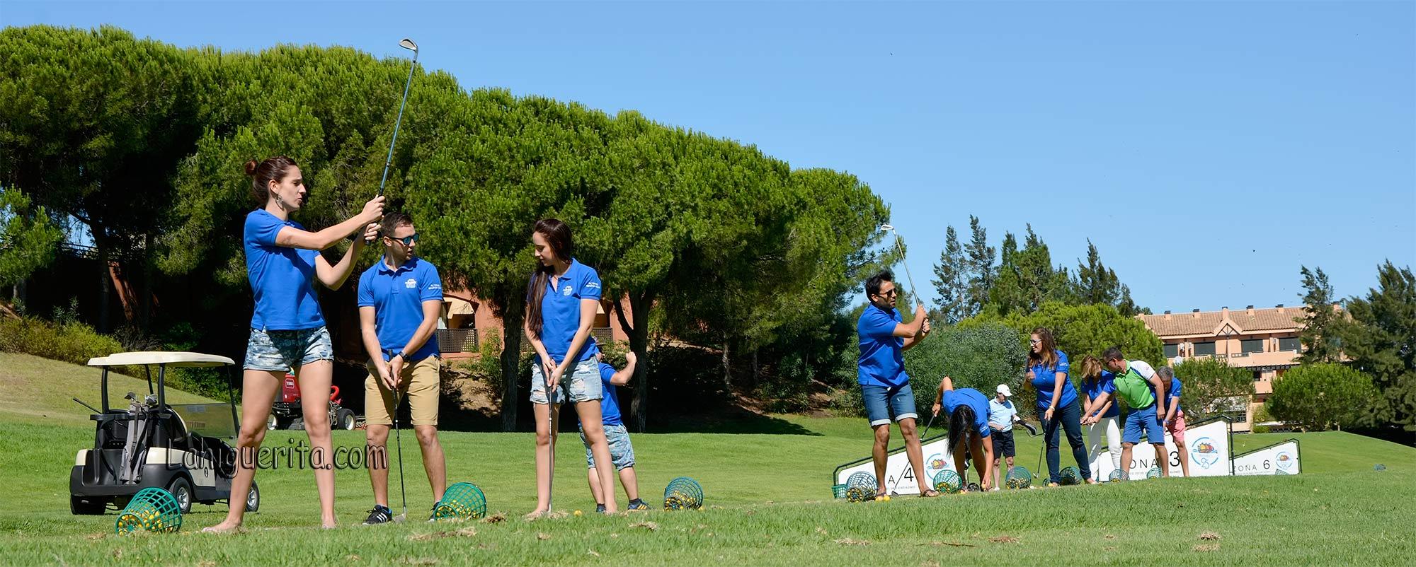 Clase de golf con los famosos de la gala benéfica de Islantilla