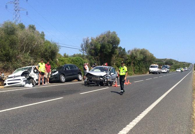 Herida una mujer tras una colisión de dos turismos a la altura de Isla Cristina