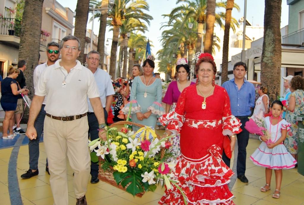 Las calles de Isla Cristina se llenan para Ofrendarle Flores a la Virgen del Carmen