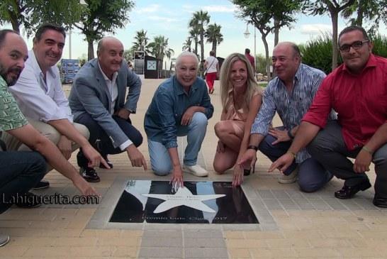 Cristina Hoyos descubre su estrella en el Paseo de la Fama de Islantilla