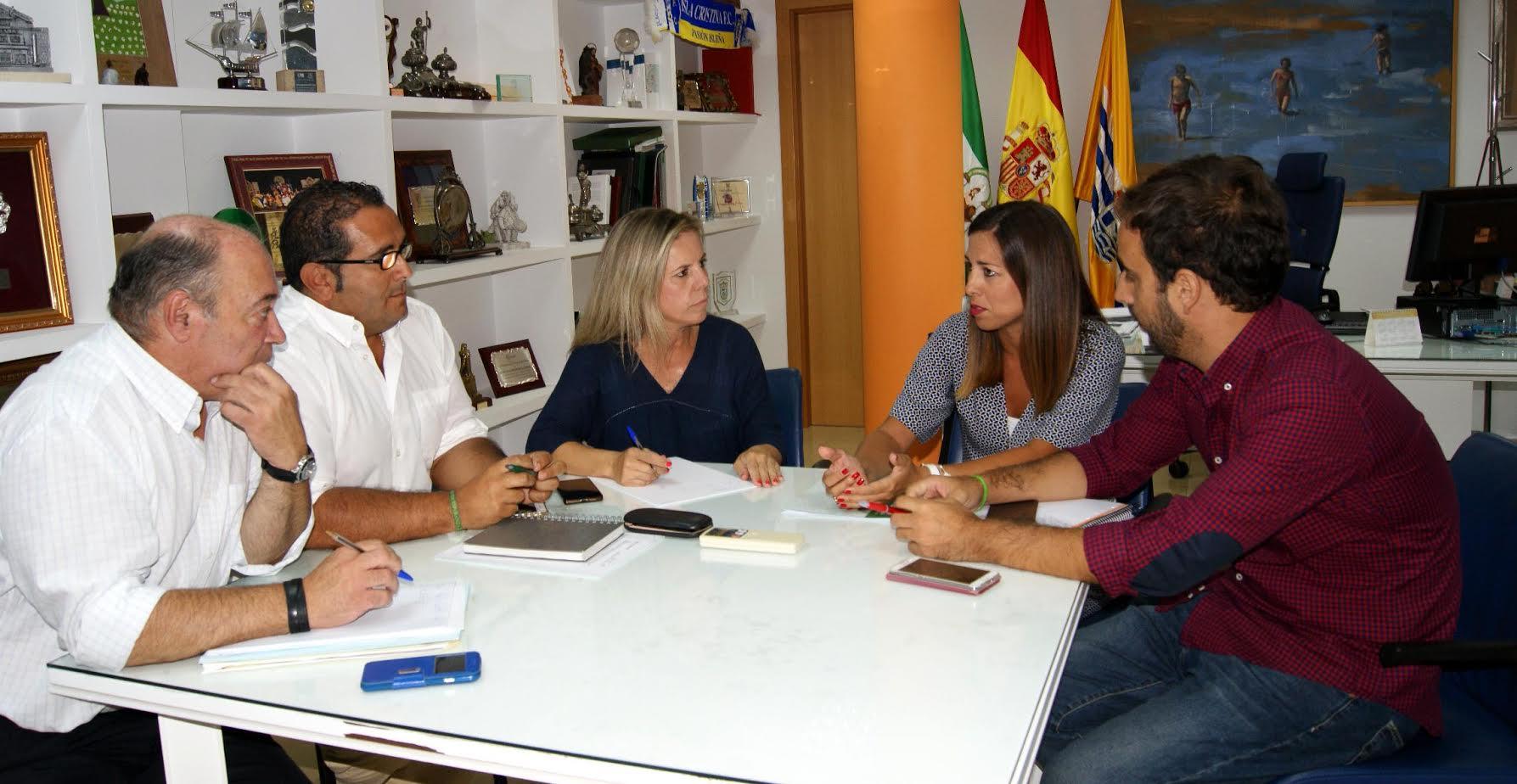 La Delegada Territorial de Fomento y Vivienda visita Isla Cristina