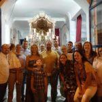 La Familia canta la Salve al Simpecado de la Hermandad del Rocío de Isla Cristina