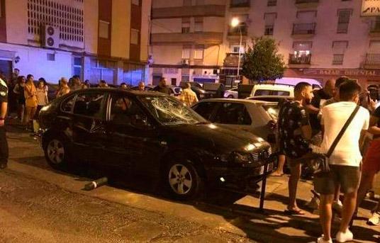 Un atropello múltiple en una terraza del Parque de la Luz desata el pánico en Huelva