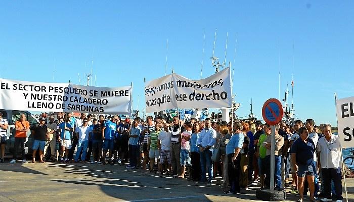 El sector pesquero de Punta Umbría e Isla Cristina suspende las movilizaciones