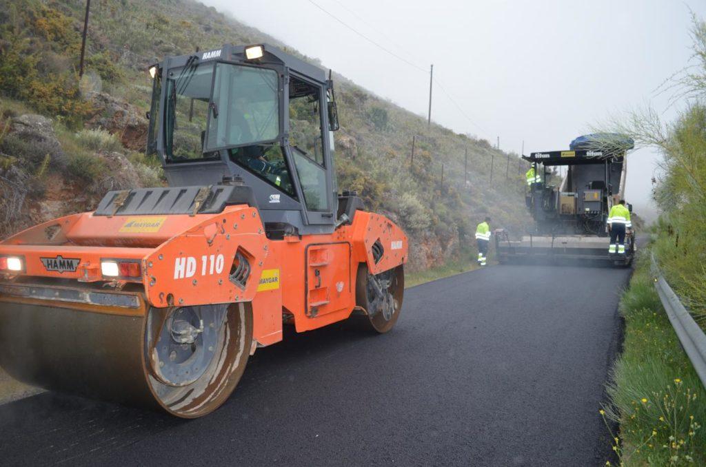La Junta invierte 330.000 euros en repintar carreteras de la provincia