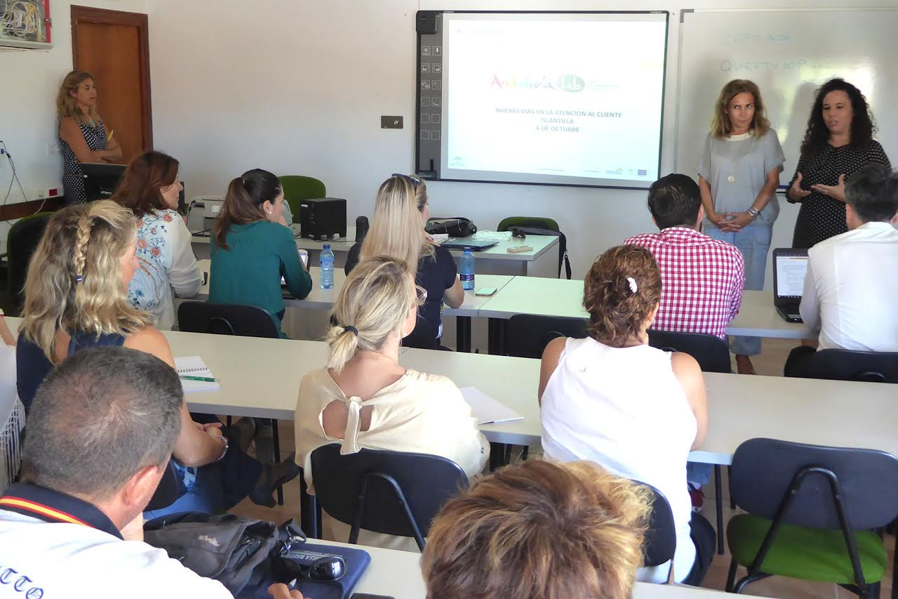 Islantilla acoge un Taller de Andalucía Lab sobre Atención al Cliente 3.0