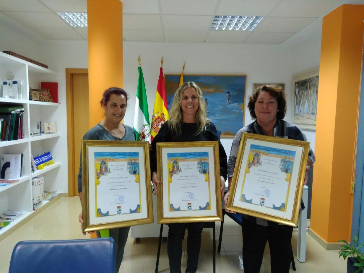 La Alcaldesa recibe a la Coral Polifónica Isla Cristina con motivo del inicio de una gira de conciertos por varias ciudades españolas
