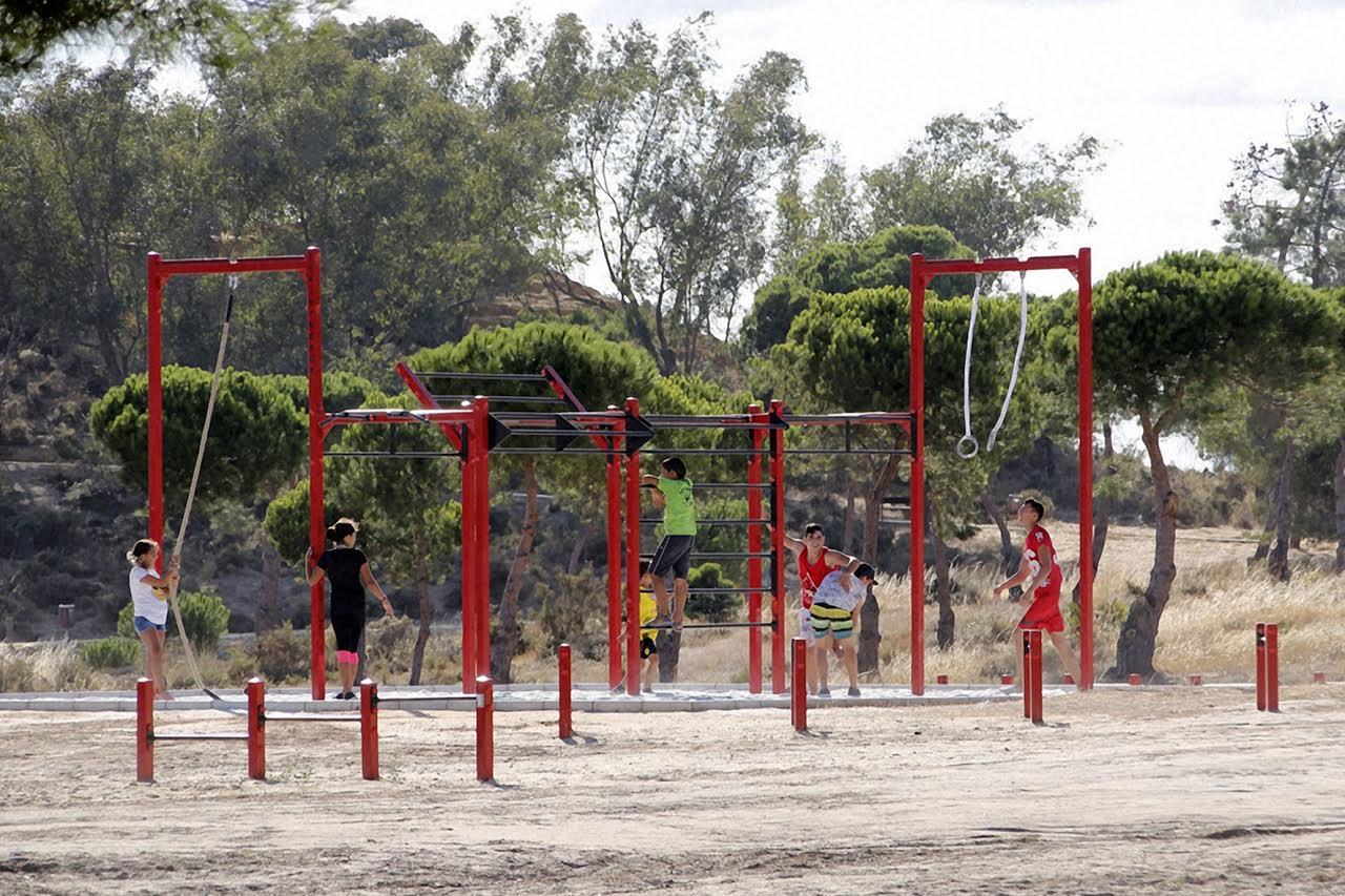 El Parque 'El Camaleón' de Islantilla acoge este fin de semana el Taller de Calistenia del programa de Sábados Deportivos