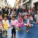 Las Escuelas Infantiles de Isla Cristina vuelven a desfilar por las Cruces de Mayo