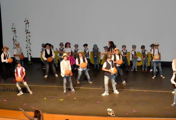 Graduación infantil de 5 años y 6ºde primaria del CEIP Ángel Pérez de Isla Cristina 2017-2018