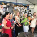 Ayuntamiento y Centro de Mayores homenajean a algunos mayores por la festividad del Rosario