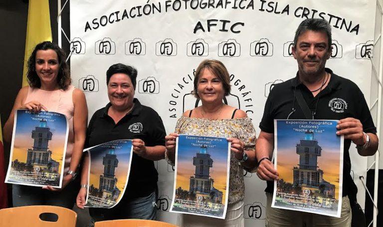 La AFIC expone más de medio centenar de fotografías inéditas de Isla Cristina