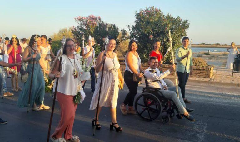 La Hermandad del Rocío participa en la ofrenda a la Virgen del Mar