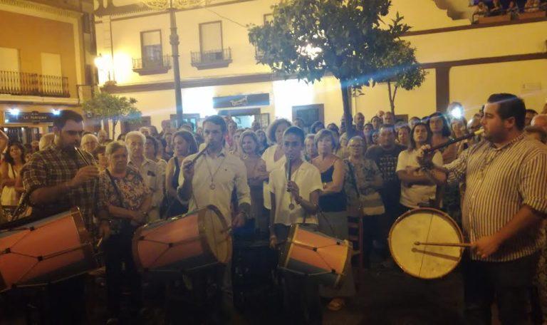 Los tamborileros de María Auxiliadora en la Hermandad del Rocío de Isla Cristina