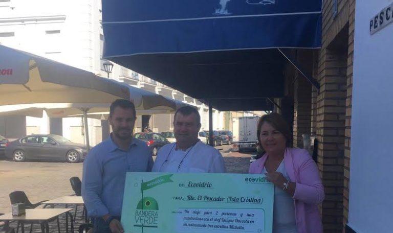 Ecovidrio premia a un restaurante isleño en su campaña nacional Bandera Verde