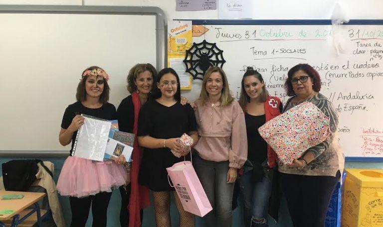 La niña marina Santana, del CEIP El Carmen gana el concurso de cuentos 'La figura de los Abuelos'