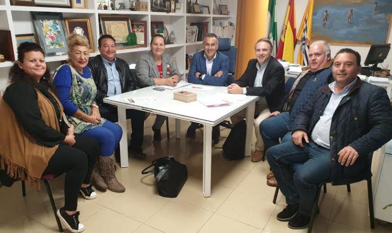 Diálogo y mejoras para el mercadillo de Isla Cristina