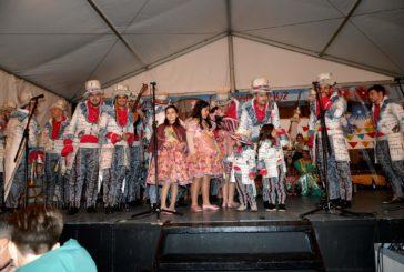 Entrega de premios en el Paseo de las Flores en los Carnavales de Isla Cristina 2020