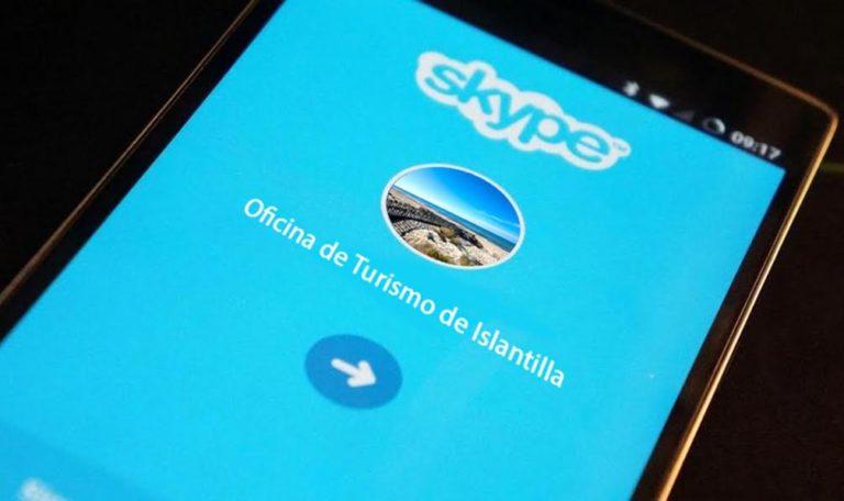 La Oficina de Turismo de Islantilla ofrece información por videoconferencia frente a la COVID-19