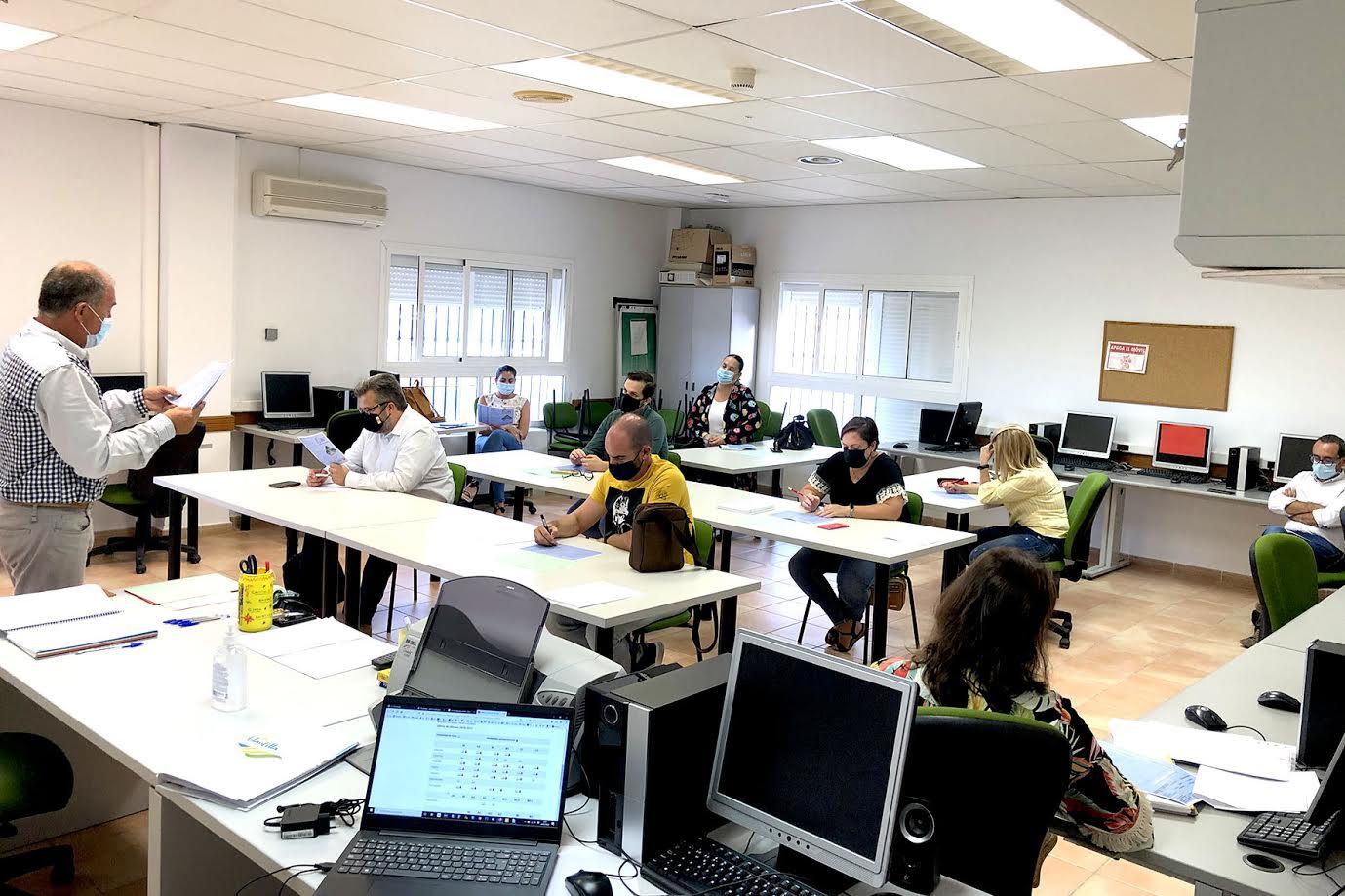 Reunión para definir el XXIII Plan Agrupado de Formación Continua de Islantilla, Lepe e Isla Cristina