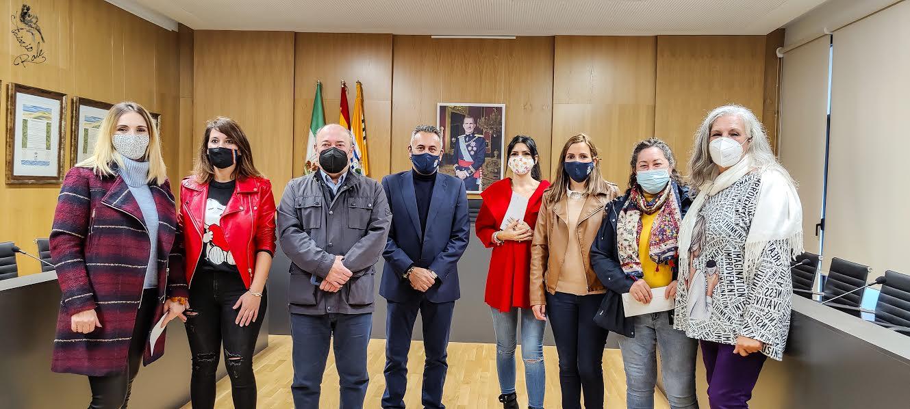 Entregados los premios del I Concurso de Fachadas Navideñas convocado por el Ayuntamiento isleño