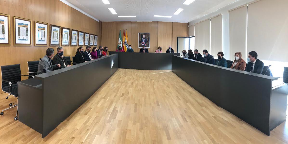 El Ayuntamiento celebra el último Pleno del año en el Salón Plenario del nuevo Ayuntamiento ya rehabilitado