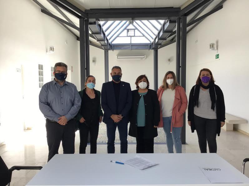 El Ayuntamiento d Isla Cristina y la Asociación Huelva acoge firman un convenio de colaboración en materia de integración social e inmigración