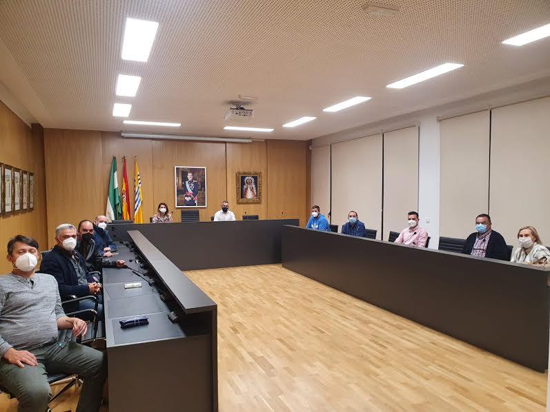 Ayuntamiento y Hermandades se reúnen para preparar la celebración de la Semana Santa en la localidad
