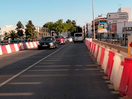 La Junta comienza la reparación del puente sobre el río Carreras de acceso a Isla Cristina