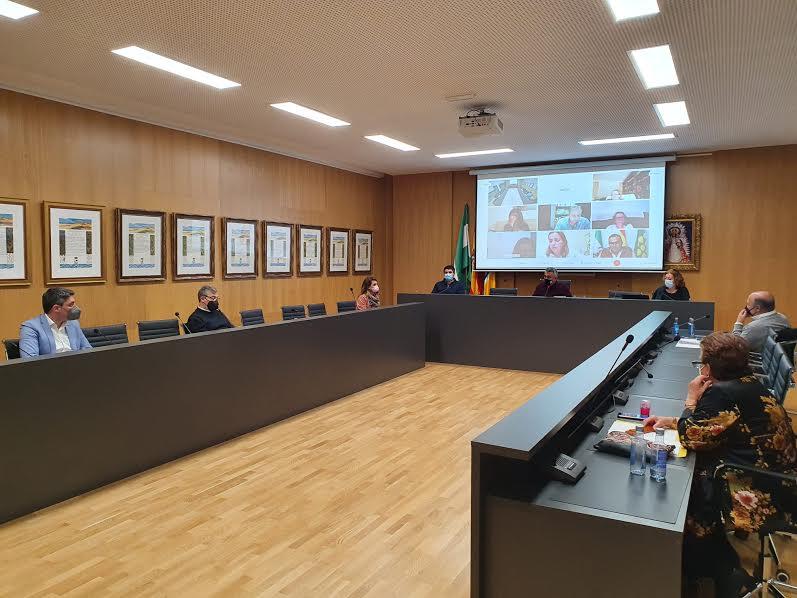 El Pleno isleño solicita a la Junta una solución definitiva al vertido en las marismas de Isla Cristina