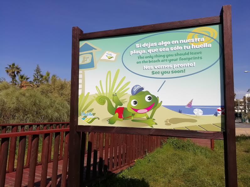 Nueva cartelería y señalización en la playa de Islantilla