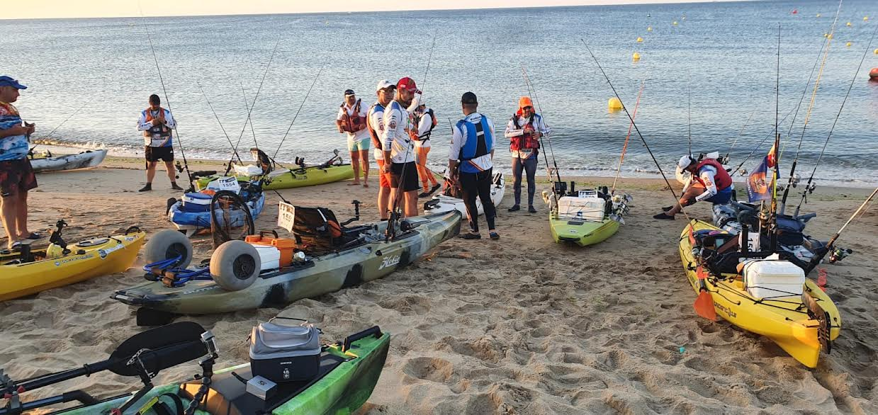 Las playas isleñas acogen el Campeonato Inter Club de pesca en káyac